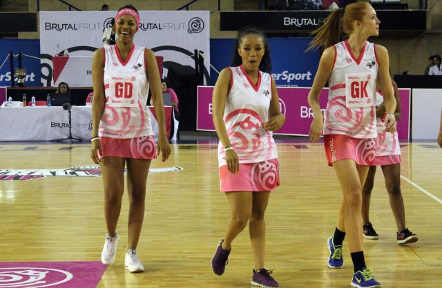 Lootlove, Dineo with Jena on the court